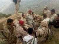 محافظ لحج وقائد المنطقة العسكرية الرابعة يتفقدا الخطوط الأمامية لجبهات القتال بالقبيطة