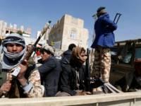 الحوثيون ينهبون أربعة منازل في العاصمة المحتلة صنعاء بينها منزل مستشار للرئيس هادي