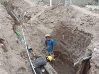 مؤسسة رواد التنمية تنفذ مشروع ربط شبكة الصرف الصحي لحارة المشايخ في منطقة الوهط بلحج