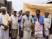في وقفة احتجاجية.. مستفيدو الغذاء العالمي بطورالباحة يناشدون اطلاق مساعداتهم النقدية