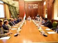 الرئيس هادي يبشر بموافقة سعودية على تقديم ملياري دولار لدعم العملة اليمنية