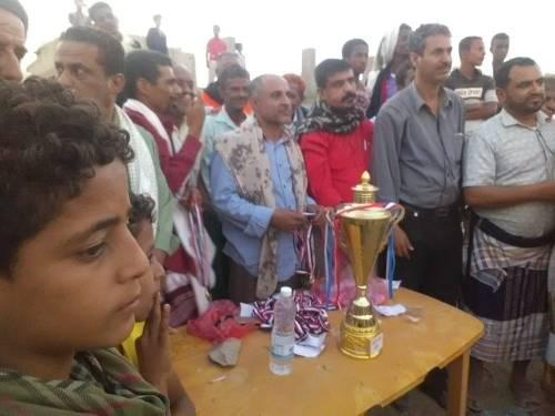 منتخب تبن المدرسي لكرة القدم يتوج بكأس البطولة المدرسية بلحج