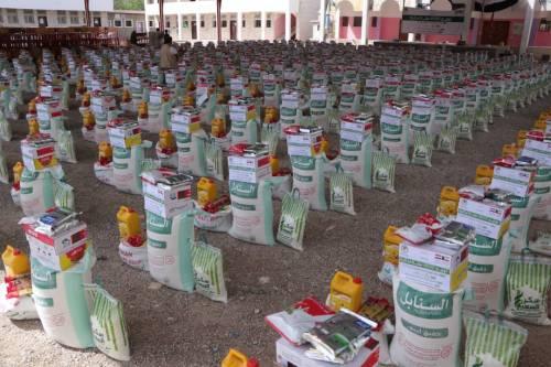 تدشين وتوزيع 2500 سلة إغاثية في مأرب