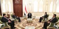 رئيس الجمهورية يرأس اجتماعاً استثنائياً ضم نائبه ورئيس الوزراء