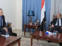نائب الرئيس يناقش مع مبعوث السويد إلى بلادنا جهود إحلال السلام